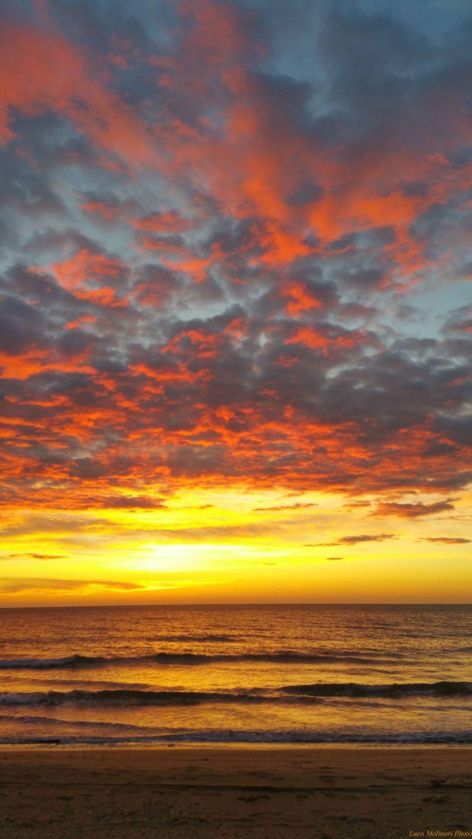 Luca Molinari Photo Etiliyle - burning sky -