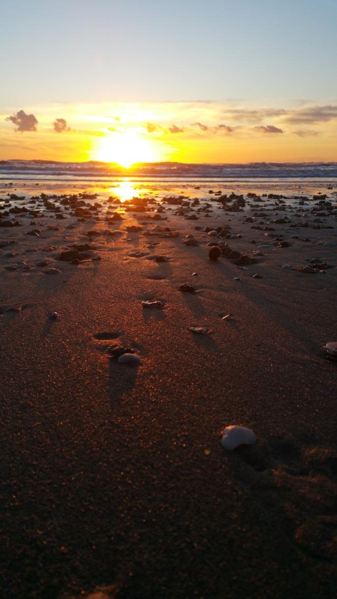 etiliyle.wordpress.com - Luca Molinari Photo - Etiliyle - Blog-fotografia-pictures-poem-poems-poetry-poesy-pics-art-images-screenshot-share- ''sunset waves sea''